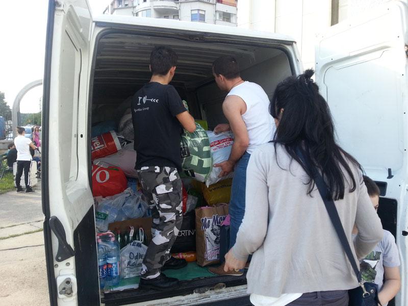 Хиландар помаже угроженима од поплава
