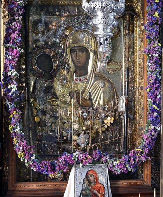 Празник иконе Пресвете Богородице Тројеручице