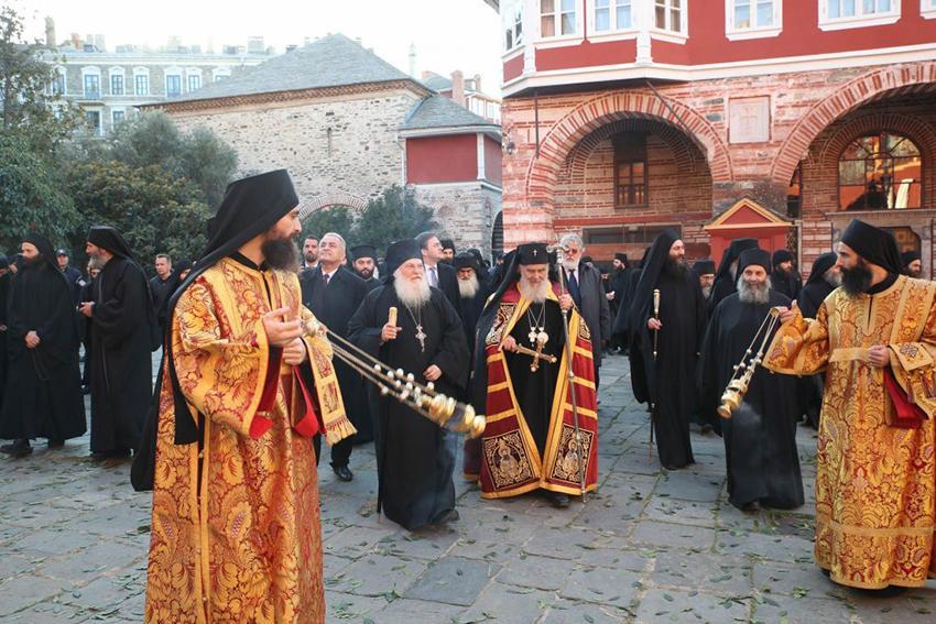 (Видео) Патријарх Иринеј у Манастиру Ватопеду на Светој Гори