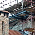Реализација награђеног пројекта Реконструкције крова Камбанског пирга - Звонаре, манастир Хиландар; формирање радне платформе и ослонца за заштитну конструкцију, септембар 2017. године