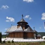 Игуман Методије на храмовној слави цркве брвнаре у Драглици