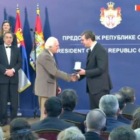 Златна медаља за заслуге проф. Ковачевићу