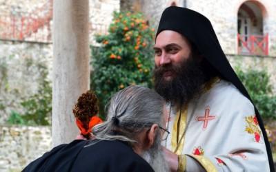 Игуман Методије: Атон живи по православној традицији и наставља да рађа свете
