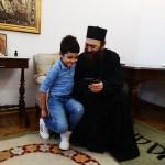Игуман Методије са породицом Ивановић